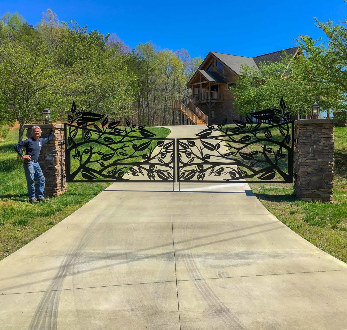 Beautiful entry gates and driveway gates