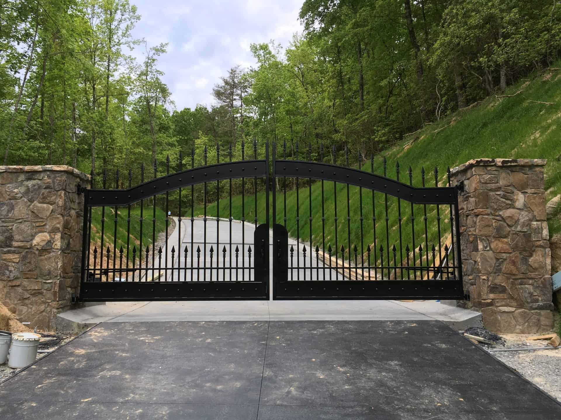 Driveway Entry Gate Design